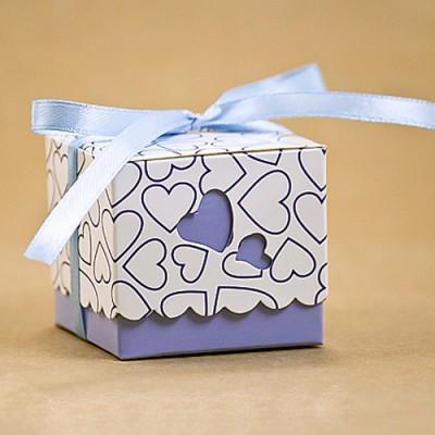 Бонбоньерка с голубыми сердечками