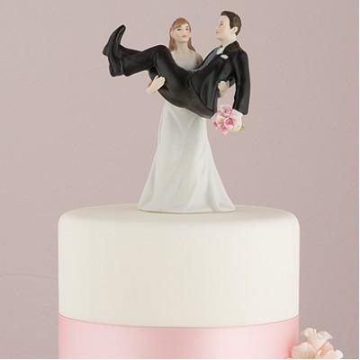 "Фигурка на торт ""Жених на руках у невесты """