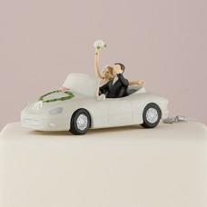 """Фигурка на торт """"Молодожены в машине"""""""
