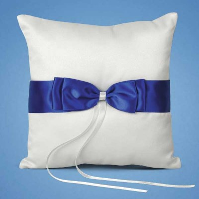 Подушечка для колец с синей лентой