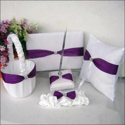Свадебный набор с фиолетовыми лентами