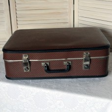 Ретро чемодан коричневый