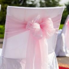 Розовый бант на стул